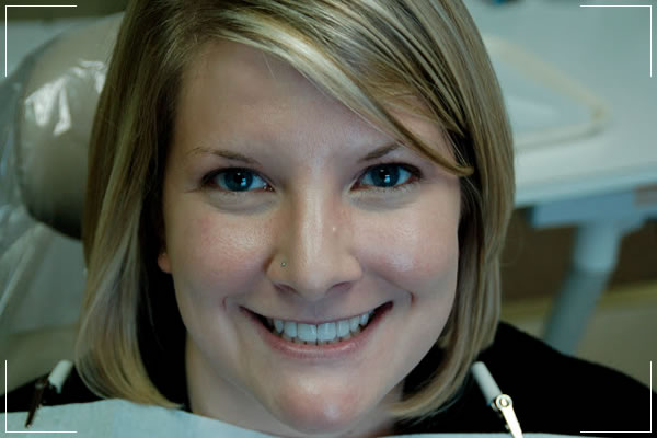 woman who had small gap now has her veneers